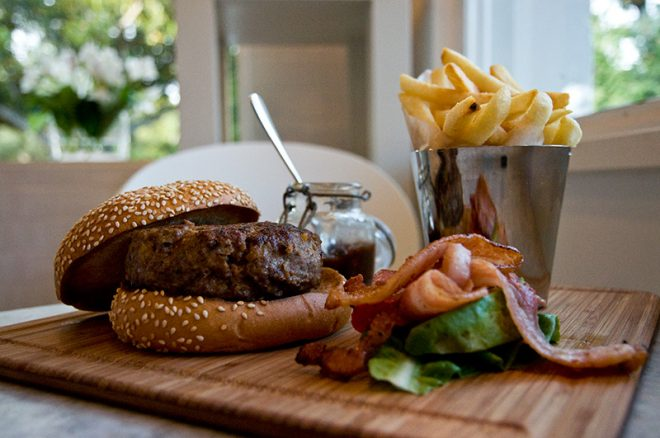 Benny's Burger: A hunt for the best burger in Barcelona! Image