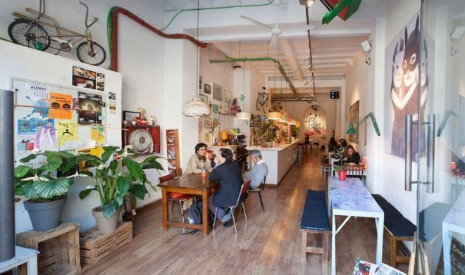 All in one fun: A Barcelona Cafe plus a Barcelona Gallery Image