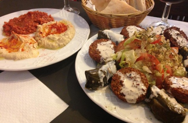 Best Hummus restaurants in Barcelona Image
