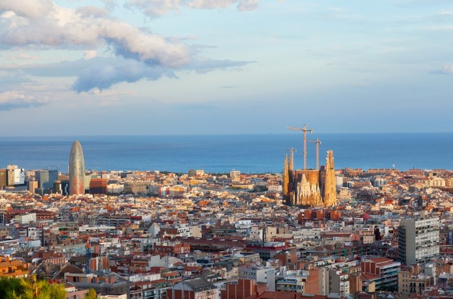 Catalan vs. Castilian: What's the Difference? Image