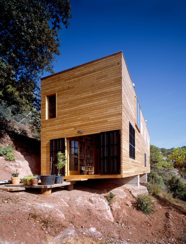 Green is the New Black: Eco-Friendly Houses in Barcelona Image