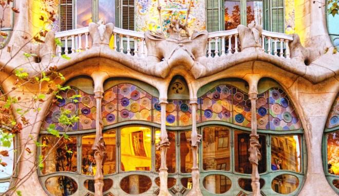 Los Domingos en Barcelona: Un Guía Esencial Image