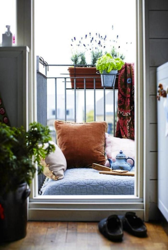 12 Unique Ways to Decorate your Balcony in Barcelona Image